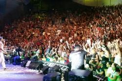 Público lotou as arquibancadas em festival que celebra a reabertura da Concha Acústica em Salvador. Foto: Sayonara Moreno/Correspondente da Agência Brasil