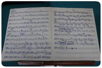 Muitas das partituras originais, manuscritas, estão arquivadas no Conservatório Pernambucano de Música. Foto: Ricardo Fernandes/DP