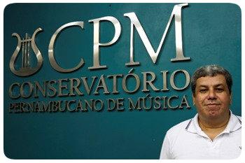 O maestro Sérgio Barza coordenou a editoração de partituras. Foto: Ricardo Fernandes/DP