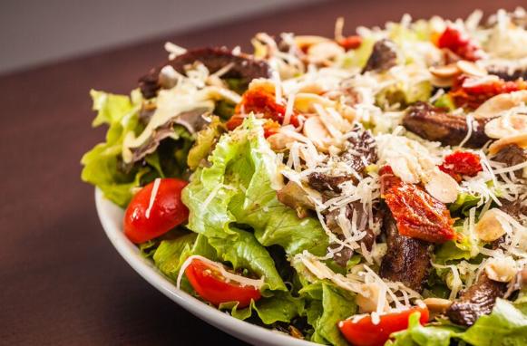 Creperia oferece seis opções de salada. Foto: Victor Muzzi/divulgação