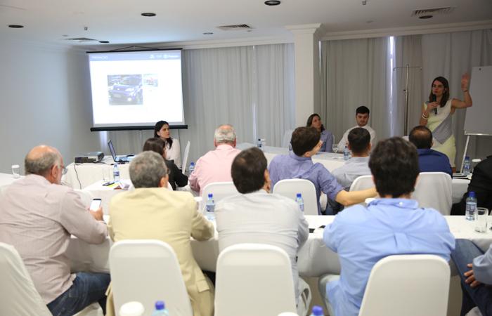 Presidente da Empetur expõe as ações da campanha Pernambuco é Azul para o trade turístico. Foto: Hesíodo Góes/Divulgação