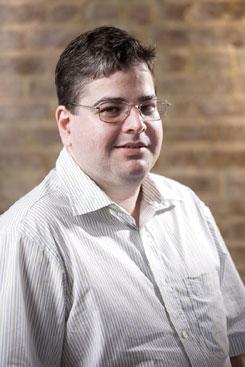 Fernando Dias é economista da UFPE. Foto: Tiago Lubambo/Divulgação