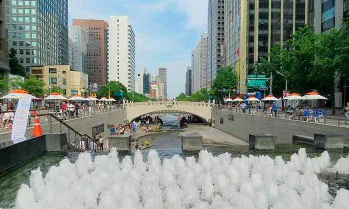 Seul se transformou em exemplo ao revitalizar com sucesso o canal Cheonggyecheon. Foto: Rodrigo Craveiro/CB/D.A. Press