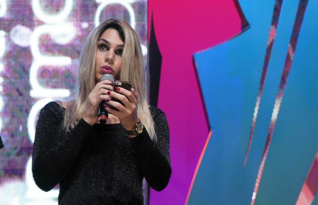 Atriz transexual, Ingrid foi bastante aplaudida ao discursar no palco. Foto: Edison Vara/ Pressphoto/ Divulgação