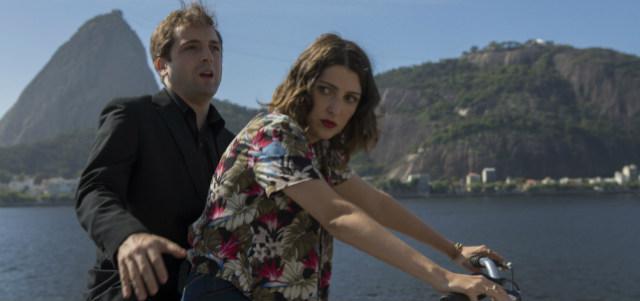 """Gregorio Duvivier e Clarice Falcão estão no filme """"Desculpe o transtorno"""", que estreia nesta semana. Foto: Buena Vista/Divulgação"""