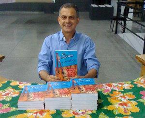 Edvan Antunes assina De caipira a universitário: a história do sucesso da música sertaneja. Foto: Arquivo pessoal/Divulgação