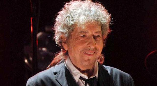 Nobel de Literatura homenageia tradição do cantor Bob Dylan: reconhecimento. Foto: Kevin Winter/AFP