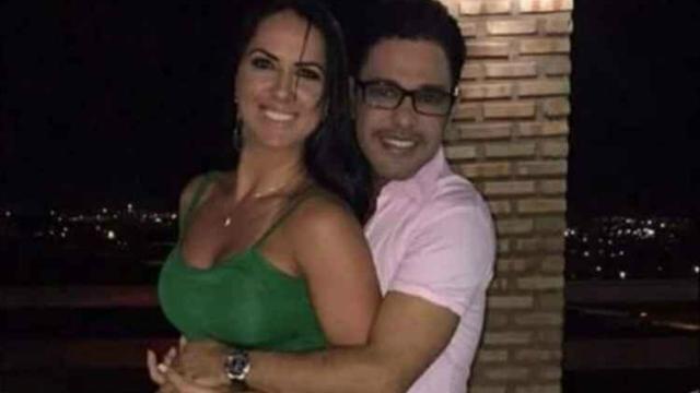 Graciele Lacerda e Zezé Di Camargo estão juntos desde o fim do casamento do cantor com Zilu, que é mãe de Wanessa. Foto: Facebook / Reprodução