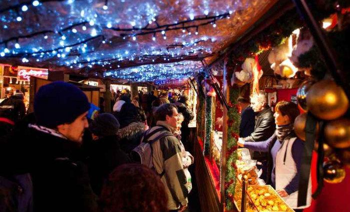 O mercado de Natal de Strasbourg, na França, é o mais antigo da Europa. Foto: Michael C./Flickr/Reprodução (O mercado de Natal de Strasbourg, na França, é o mais antigo da Europa. Foto: Michael C./Flickr/Reprodução)