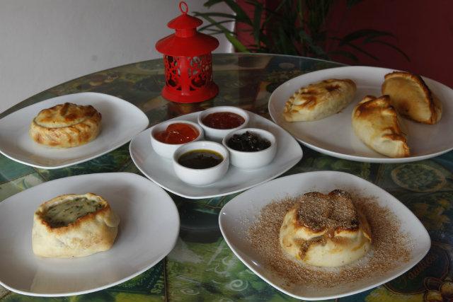Empanadas da Samovar são oferecidas em 18 sabores e molhos diferentes. Foto: Ricardo Fernandes/DP