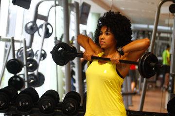 Personal trainer Joana Barros recomenda roupas leves, que não sejam sequer sentidas pelo atleta (Rafael Martins/DP)