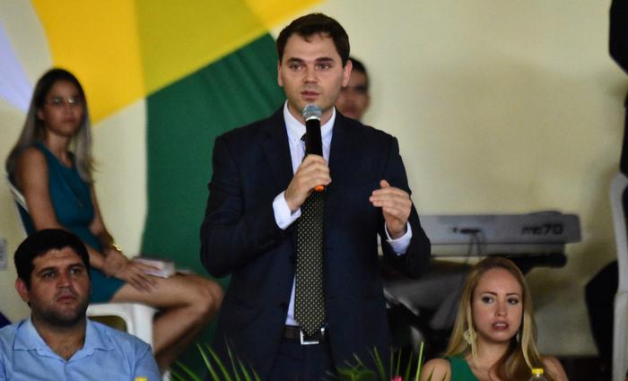 Cônsul da Itália no Recife, Gabor de Zagon, visitou cidade do interior para ver experiência de sucesso. Segundo ele, curso gera conexões não só comerciais, mas culturais e econômicas. Foto: Paulo Paiva/DP