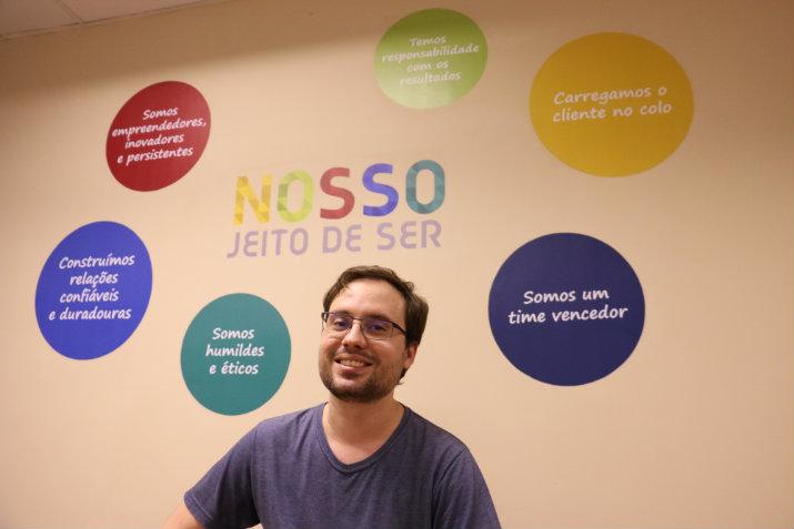 """O arquiteto de softwares Helmut Nigge, 34 anos, se enquadra no grupo dos satisfeitos e resume: """"Cheguei onde queria"""" (Gabriel Melo/Esp. DP - ECONOMIA)"""