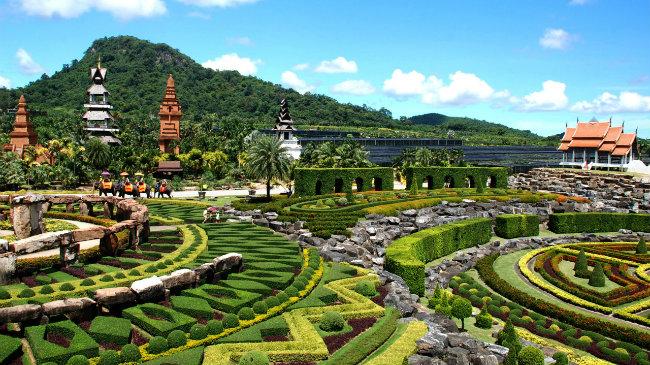 Jardins Suan Nong Nooch, em Pattaya, contam com as maiores diversidades de algumas espécies de plantas no mundo