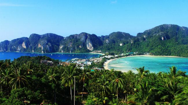 Ilhas Phi Phi são o melhor destino para que busca preços mais em conta e muitas festas à noite