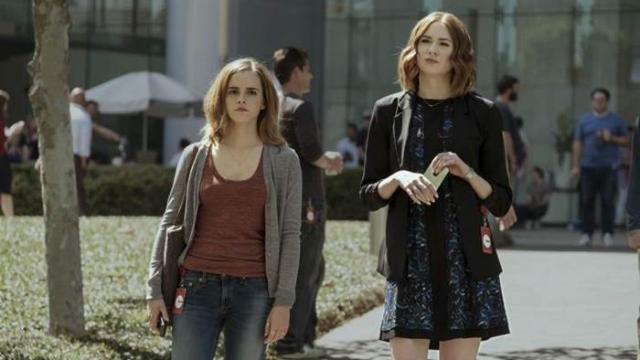 Emma Watson interpreta Mae, uma estudante que tem a vida documentada em tempo integral. Foto: Imagem Filmes/Divulgação