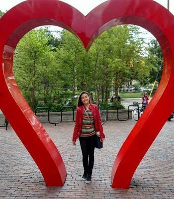 A estudante mineira Carolina Caram escolheu Toronto para fazer o doutorado (foto: Arquivo pessoal)