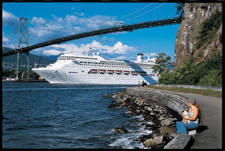 Vista da Lions Gate Bridge sobre a baía de Vancouver (foto: Turismo de Vancouver/Divulgacao)