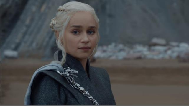 Daenerys Targaryen (Emilia Clarke) aparece na prévia desesperada. Foto: YouTube/Reprodução