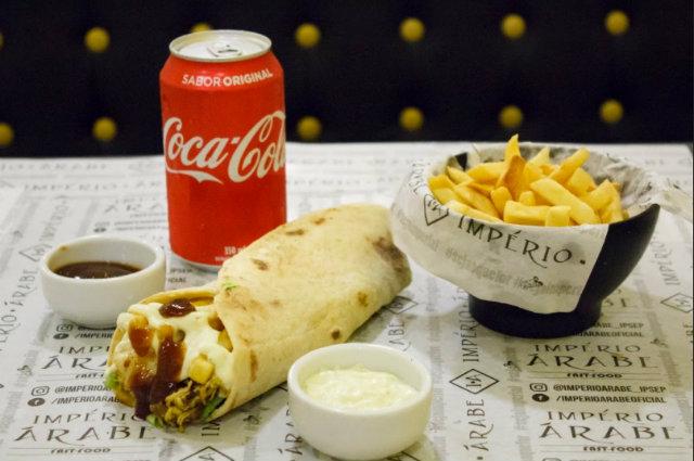 Império Árape aposta na linha fast food, com compos de kebab. Fotos: Victor Cayke Fotografia