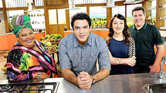 Carmen Vigínio, Thiago Castanho, Ligia Karazawa e Rusty Marcellini participam do Cozinheiros em Ação. Foto: Eliana Rodrigues/Divulgação