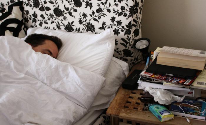 De acordo com o novo estudo, o cérebro consegue reter memórias novas durante as fases de sono REM e de sono não-REM leve. Mas, no estado de sono não-REM profundo, a capacidade de aprender informação nova e de reter as memórias é suprimida. Foto: Flickr/Reprodução/Liz Lister ( De acordo com o novo estudo, o cérebro consegue reter memórias novas durante as fases de sono REM e de sono não-REM leve. Mas, no estado de sono não-REM profundo, a capacidade de aprender informação nova e de reter as memórias é suprimida. Foto: Flickr/Reprodução/Liz Lister)