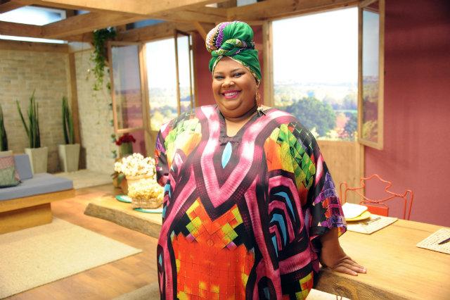 Após participações na televisão, Carmem Virgínia estreia como presença fixa no reality gastronômico. Foto: GNT/Divulgação