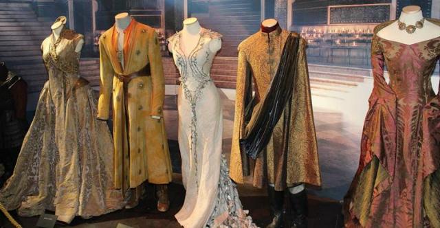 A figurinista Michele Clapton é a mente criativa das roupas dos personagens épicos da série. Foto: HBO/Divulgação