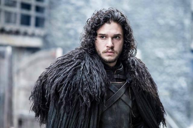 Jon Snow usa peles de animais que o próprio cavaleiro tingiu de preto ao fazer o juramento. Foto: HBO/Divulgação