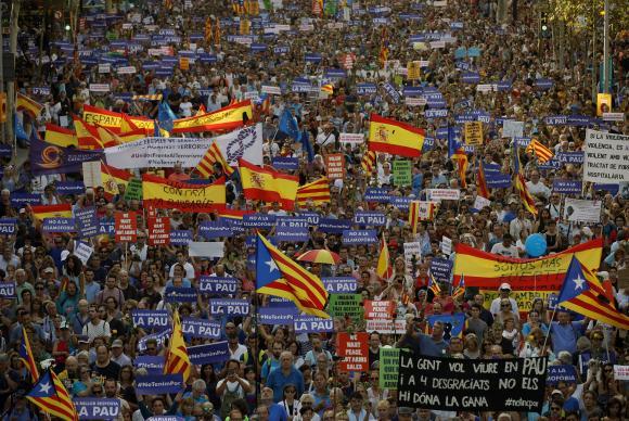 Manifestação contra os atentados na Catalunha reuniu 500 mil pessoasEFE/Alberto Estévez