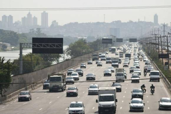 Carro é um dos meios de transporte mais usados pelos brasileiros. Foto: Arquivo/Agência Brasil