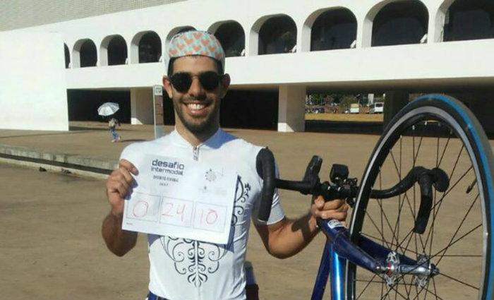 Pernambucano morava em Brasília, era estudante de Sociologia e ativista pela mobilidade urbana. Foto: Facebook/Rodas da Paz (Foto: Facebook/Rodas da Paz)
