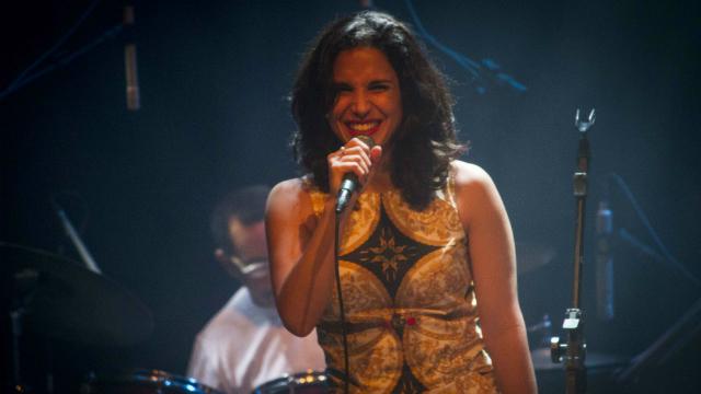 Cantora possui 13 anos de carreira. Foto: Isabelle Nery/Divulgação