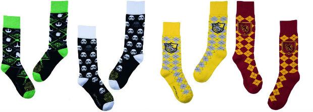 As meias, todas com fundo em tons sóbrios, apresentam detalhes que contrastam em amarelo, branco, vermelho, azul e verde. Foto: Lupo/Divulgação