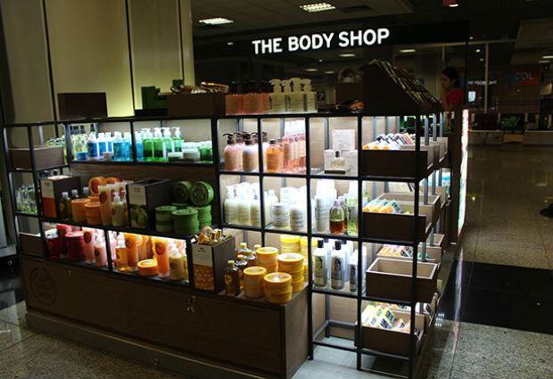 Os quiosque são uma nova forma da marca inglesa expandir suas franquias pelo Brasil. Foto: The Body Shop/Divulgação