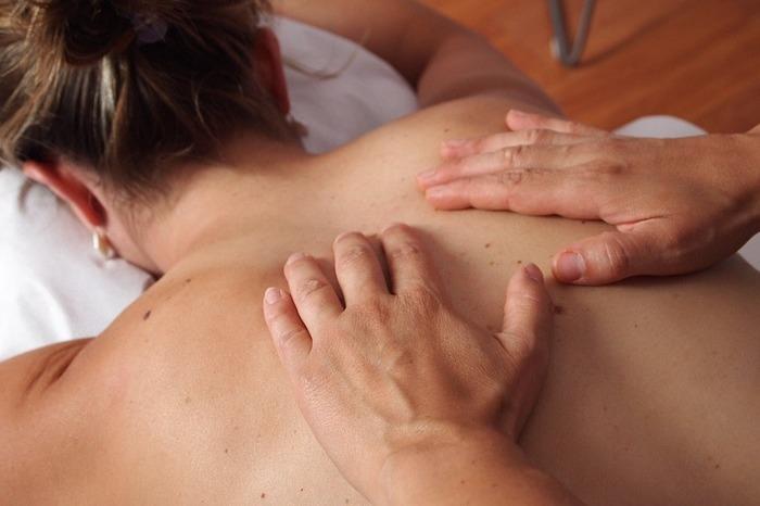 A técnica de massagem permite que a pessoa vivencie a expansão dos próprios limites sexuais, alcançando o estado de felicidade plena. Foto: @Mariolh/Pixabay