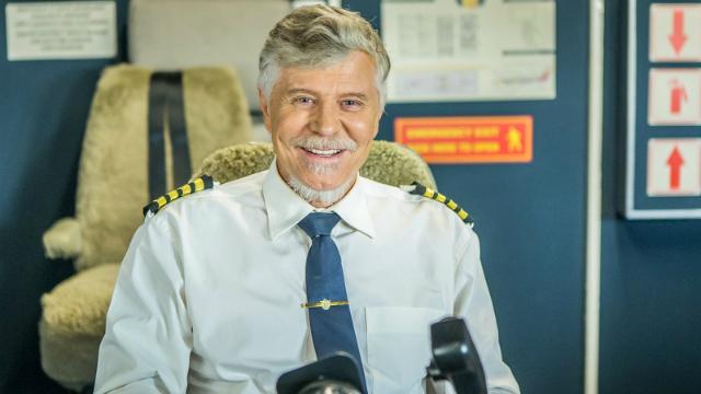 Miguel interpreta Vadeco, um dos comandantes da Piorá Linhas Aéreas. Foto: GShow/Reprodução