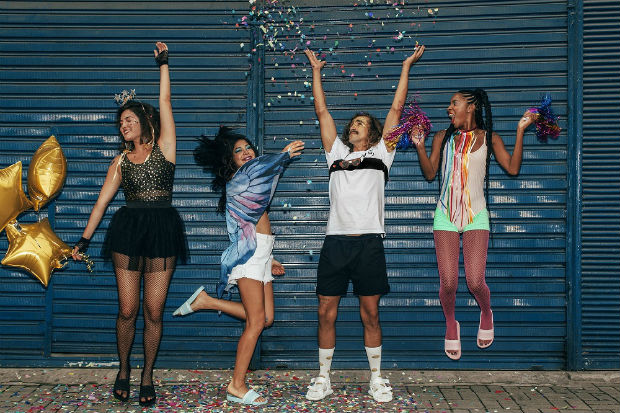 Os influenciadores Cibele Costa, Guilherme Varella, Gabriela Carvalho e Maria Eduarda Feijó estrelam a campanha. Foto: Youcom/Divulgação