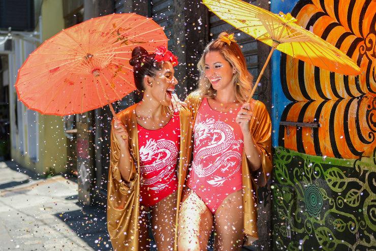 Tons saturados e a boemia carioca inspiraram o carnaval da Zinzane, um dos destaques na lista de marcas nacionais preparadas para a folia. Foto: Zinzane/Divulgação