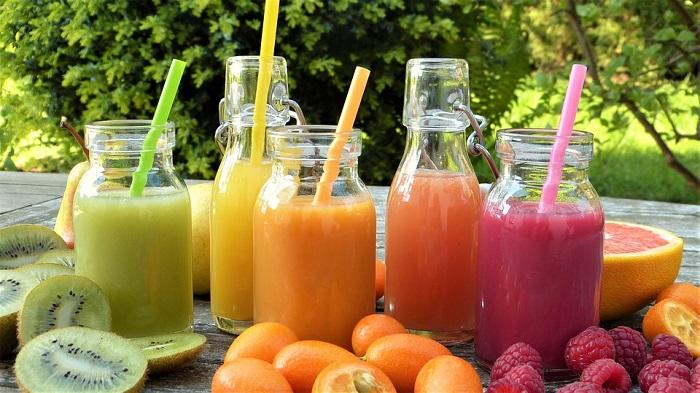 Sucos de fruta possuem vitaminas, minerais e antioxidantes que auxiliam na recuperação da ressaca. Foto: Pixabay/Reprodução (Sucos de fruta possuem vitaminas, minerais e antioxidantes que auxiliam na recuperação da ressaca. Foto: Pixabay/Reprodução)