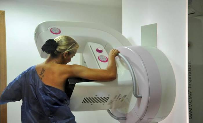 Mulheres com índice de massa corporal (IMC) acima de 30 correm o risco de descobrir os tumores apenas quando eles já estão grandes. Foto: Paulo de Araújo/CB/D.A Press