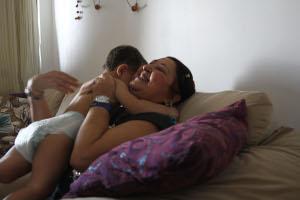 Felicidade plena de Fátima com o tratamento para câncer só foi possível na quarta procura por oncologista. Crédito: Júlio Jacobina/DP (Júlio Jacobina/DP)