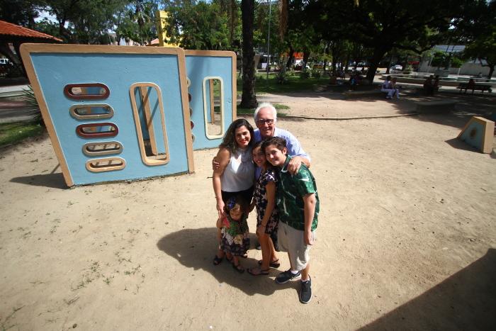 Cecília Chaves leva os três filhos para o mesmo pediatra da sua infância. Peu Ricardo/DP (Peu Ricardo/DP)
