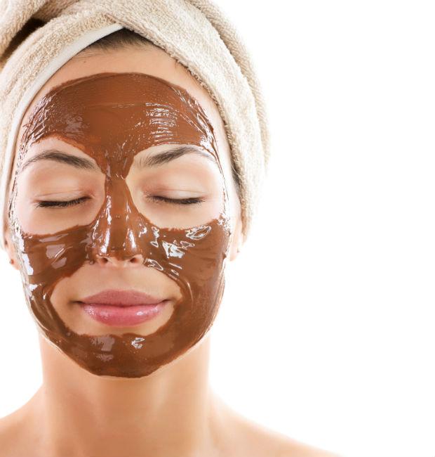 A técnica em forma de massagem pode ser utilizada em todo o corpo, inclusive na face. Foto: Mulher Cheirosa/Divulgação