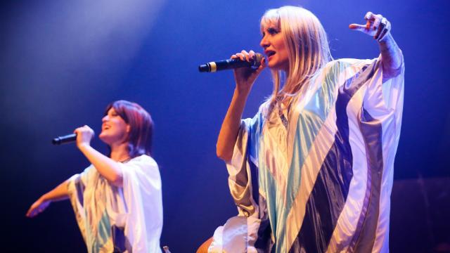 Um quarteto de argentinos reproduz a formação vocal e instrumental do grupo. Foto: Bruno Alencastro/Divulgação
