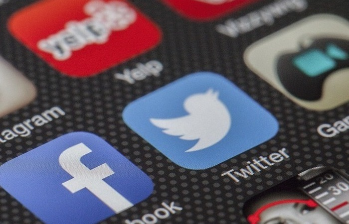 O Twitter recomendou que os usuários considerem a alteração das senhas usadas para fazer login na rede social. Foto: Pixabay/Reprodução