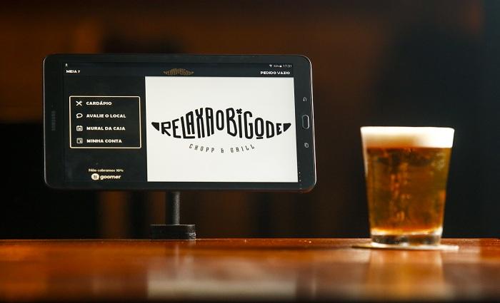Cardápio do Relaxa o Bigode é totalmente digital. Foto: Shilton Araújo / Esp. DP