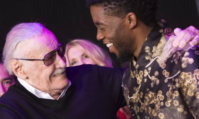 Stan Lee, de 95 anos, afirma que a empresa tentou se aproveitar de sua idade. Foto: FREDERIC J. BROWN/AFP