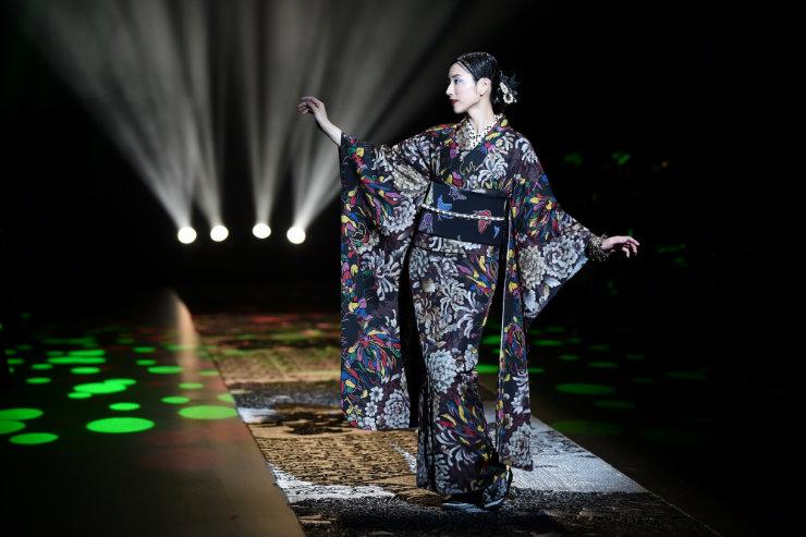 A tradição oriental dos quimonos ganha força a partir de reinvenções Foto: Kazuhiro Nogi/AFP