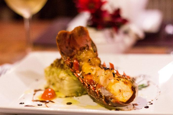 Luciana Sultanum assina receita de lagosta grelhada na manteiga de limão e gateau de macaxeira gratinado no Modigliani. Foto: André Valença
